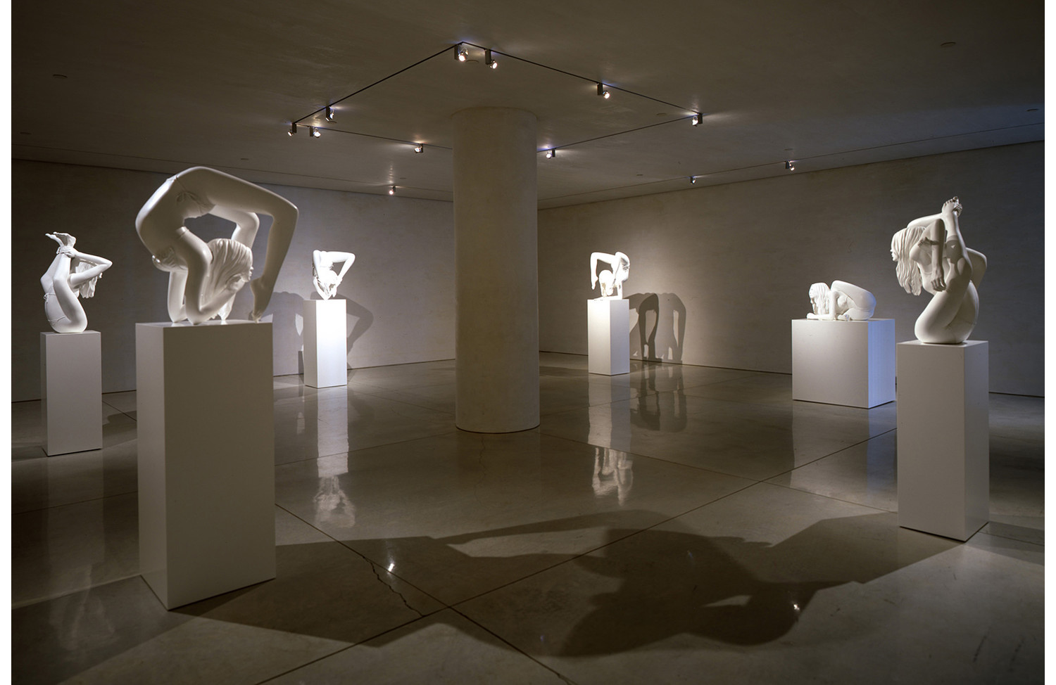 Marc Quinn Sphinx (Road to Enlightenment) (1/3) - View 1