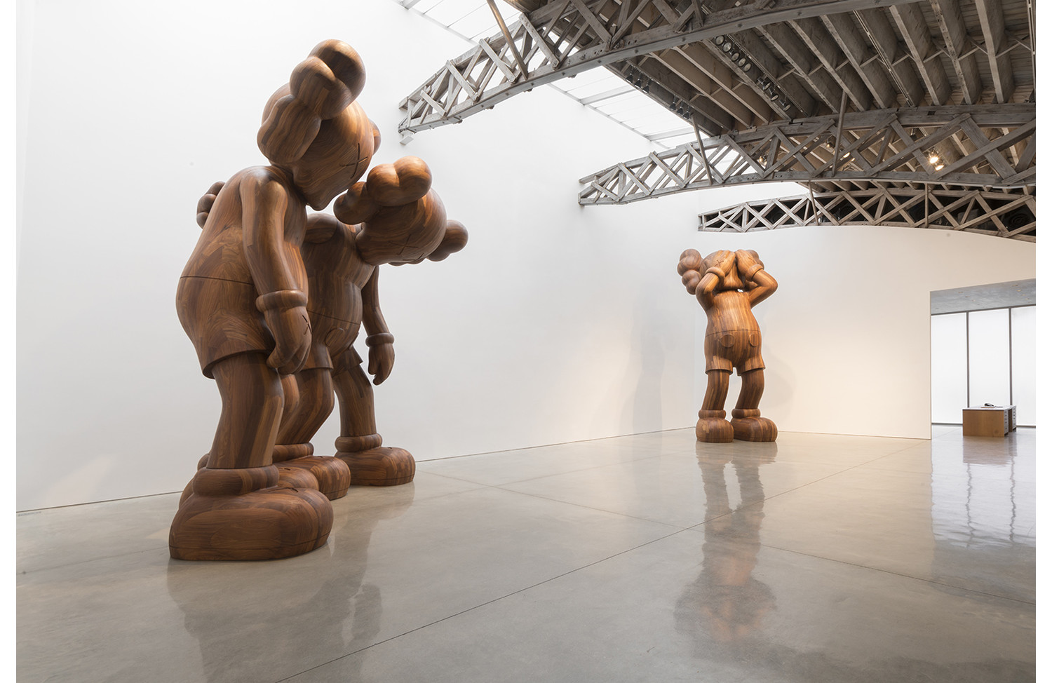 KAWS GOING AS FRIENDS - View 2